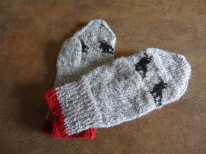 Second Mitten finished.  They're not twins but they're sisters.  Looking towards the next project