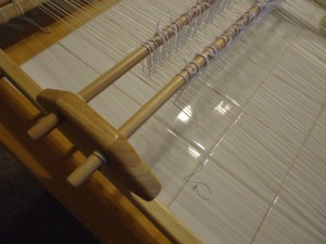 Heddles applied to warp.  Heddles Baroque crochet cotton, warp is cotton seine